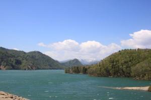 胆沢ダムからみた焼石連峰